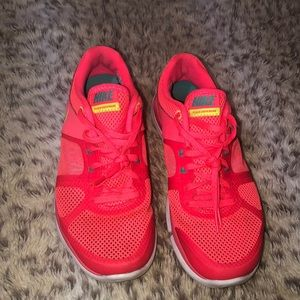Nike Flex run shoes sneakers size 6.5 orange